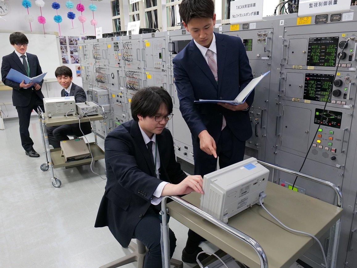航法システム実習室